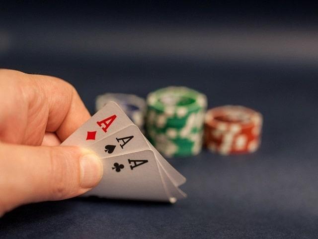 การ์ดขูดออนไลน์และวิธีการเล่นไพ่มักจะชนะอย่างมีประสิทธิภาพ